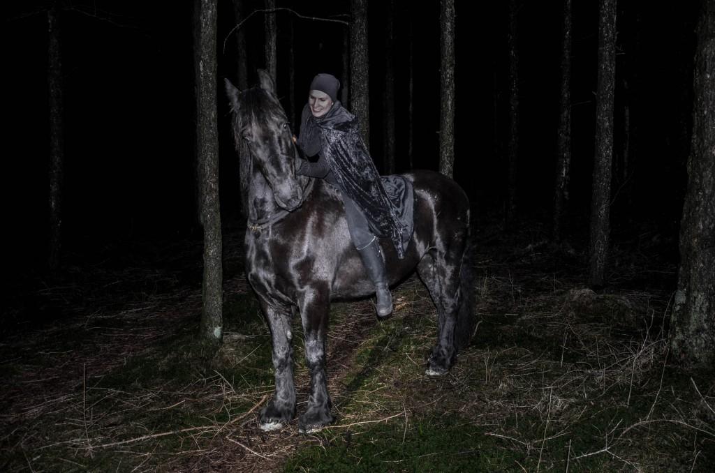 Hesten ble fin etter redigering av bildene men mitt ansikt derimot.. jaja. Det er hesten som er viktigst!